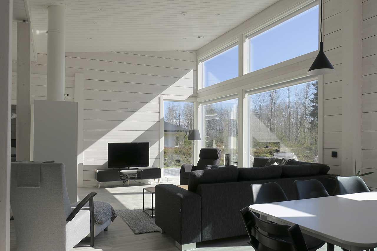 Белые стены в дизайне дома из бруса