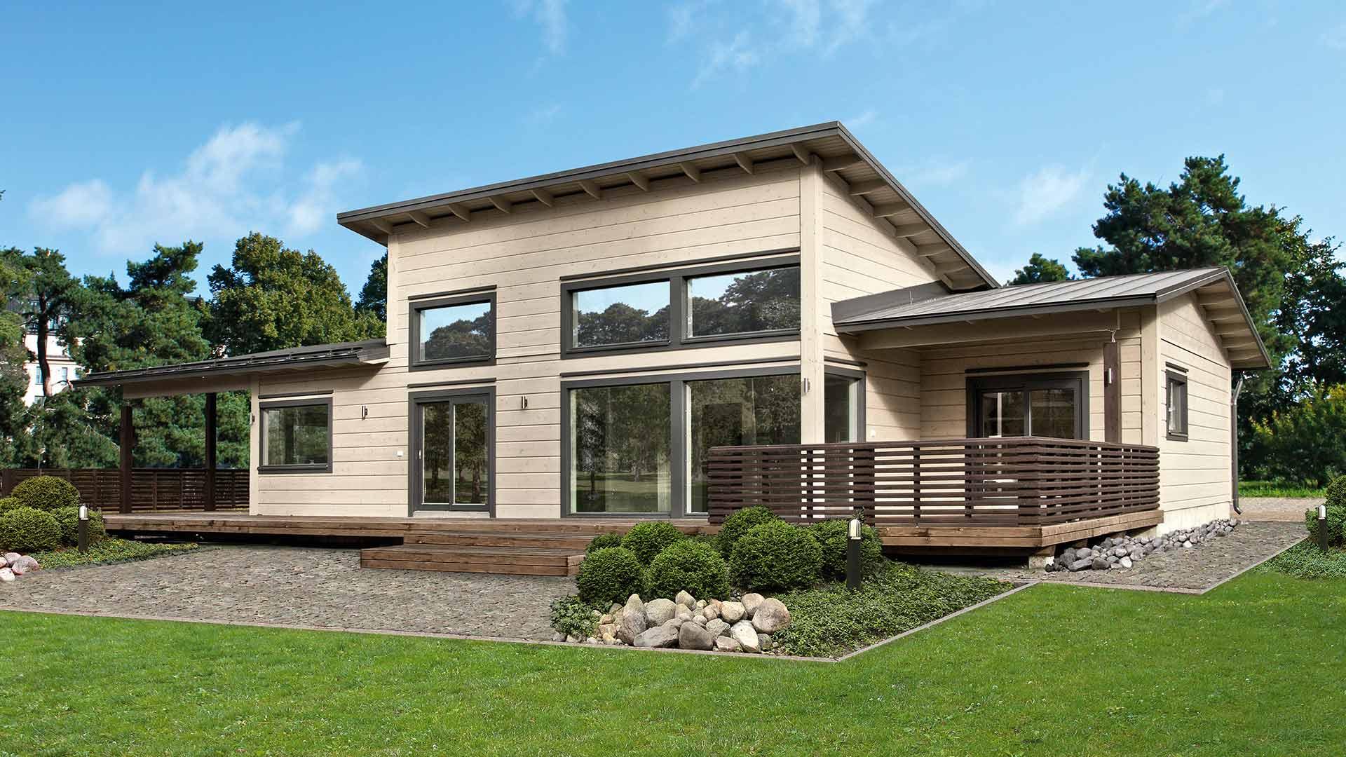 Современный деревянный дом из бруса
