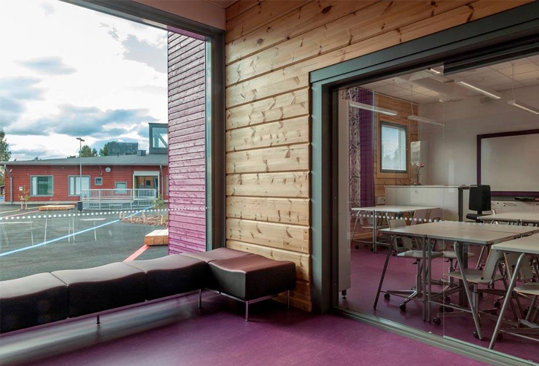 деревянные стены школы