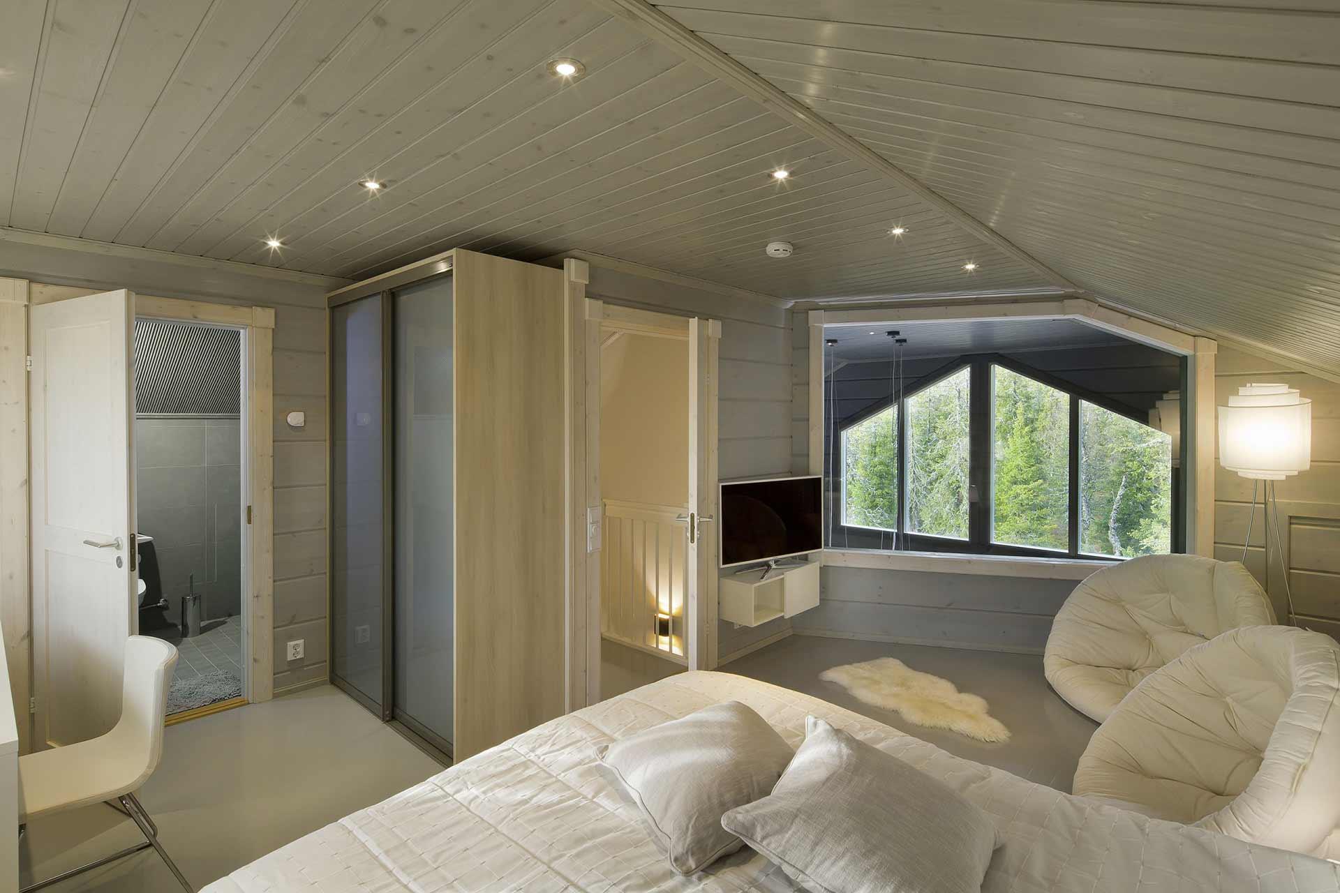 Светлая спальня родителей