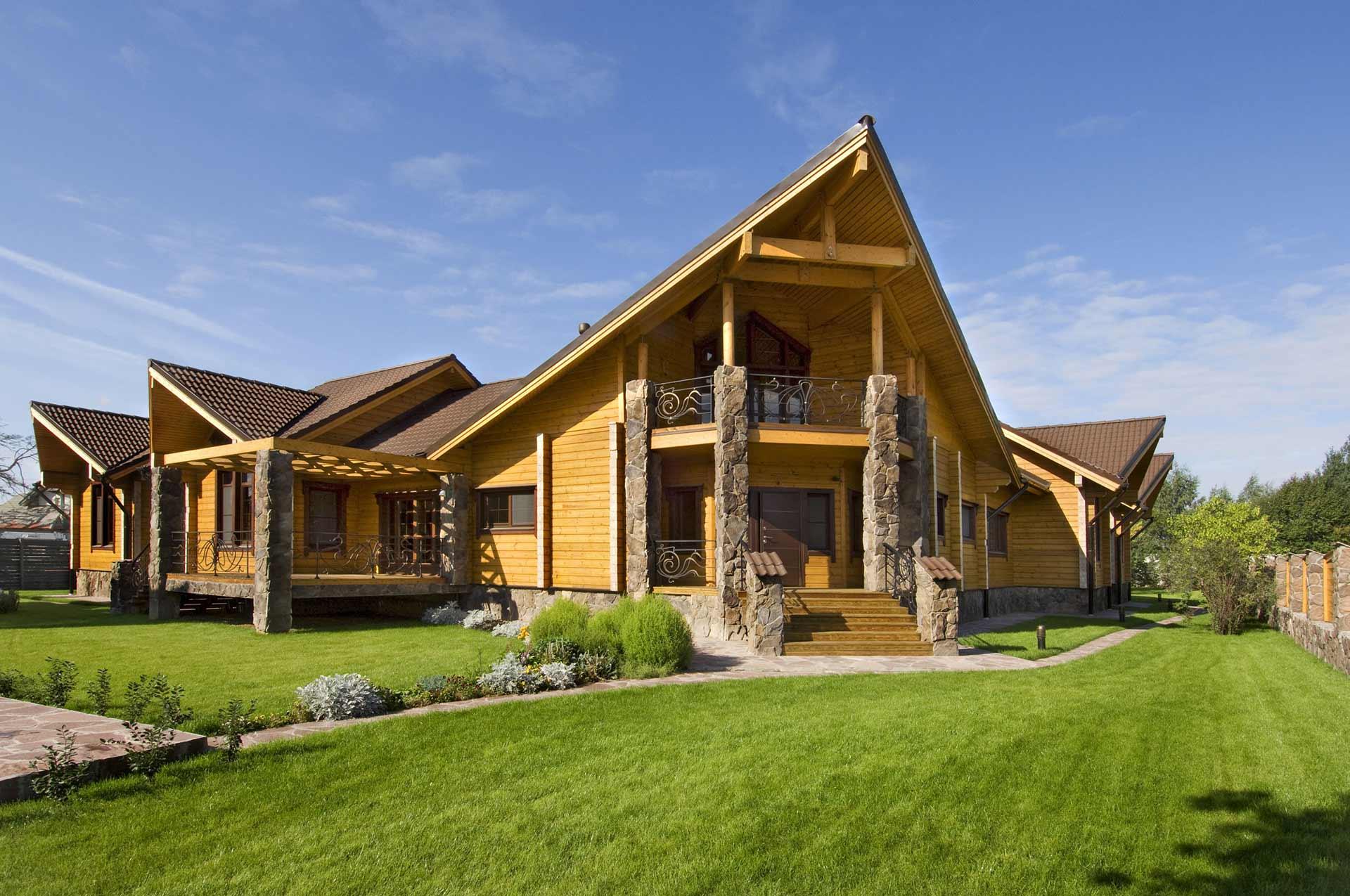 Оригинальный деревянный дом