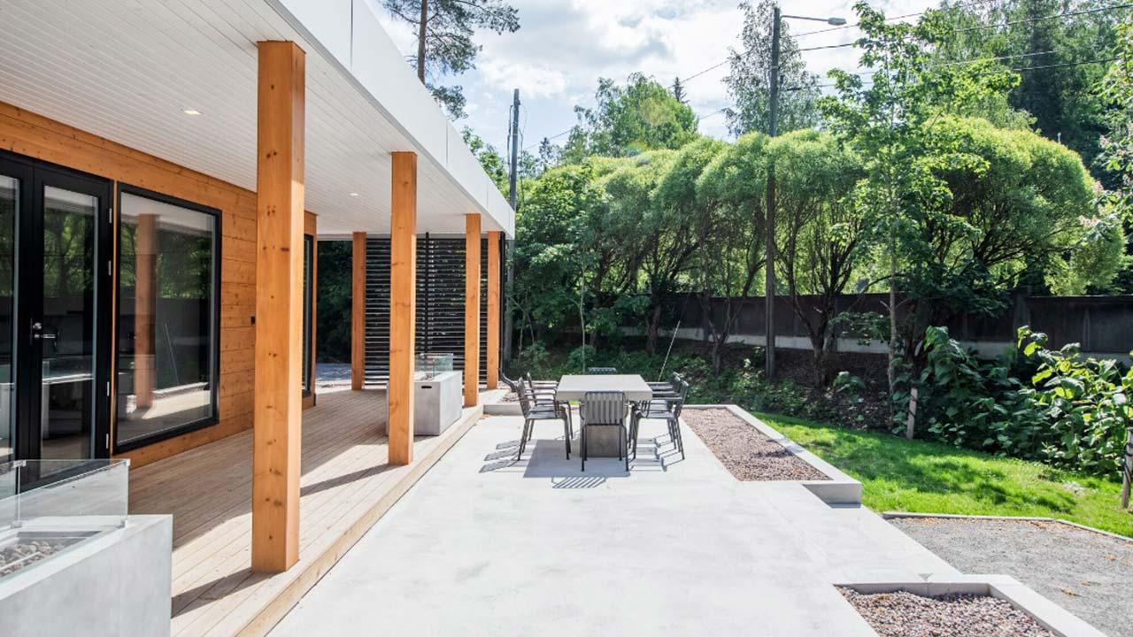 терраса деревянного дома контио