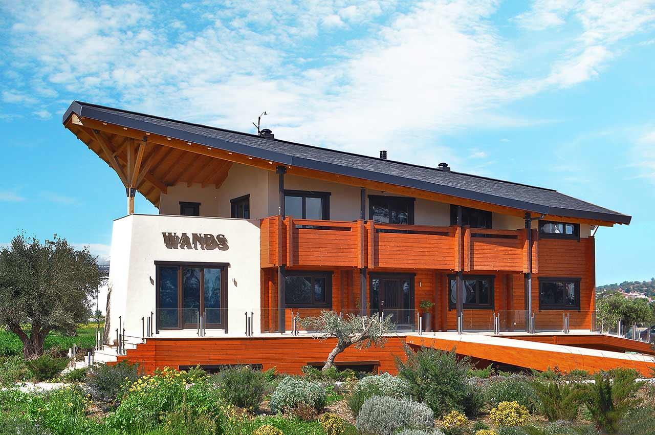 Офисное здание из клееного бруса