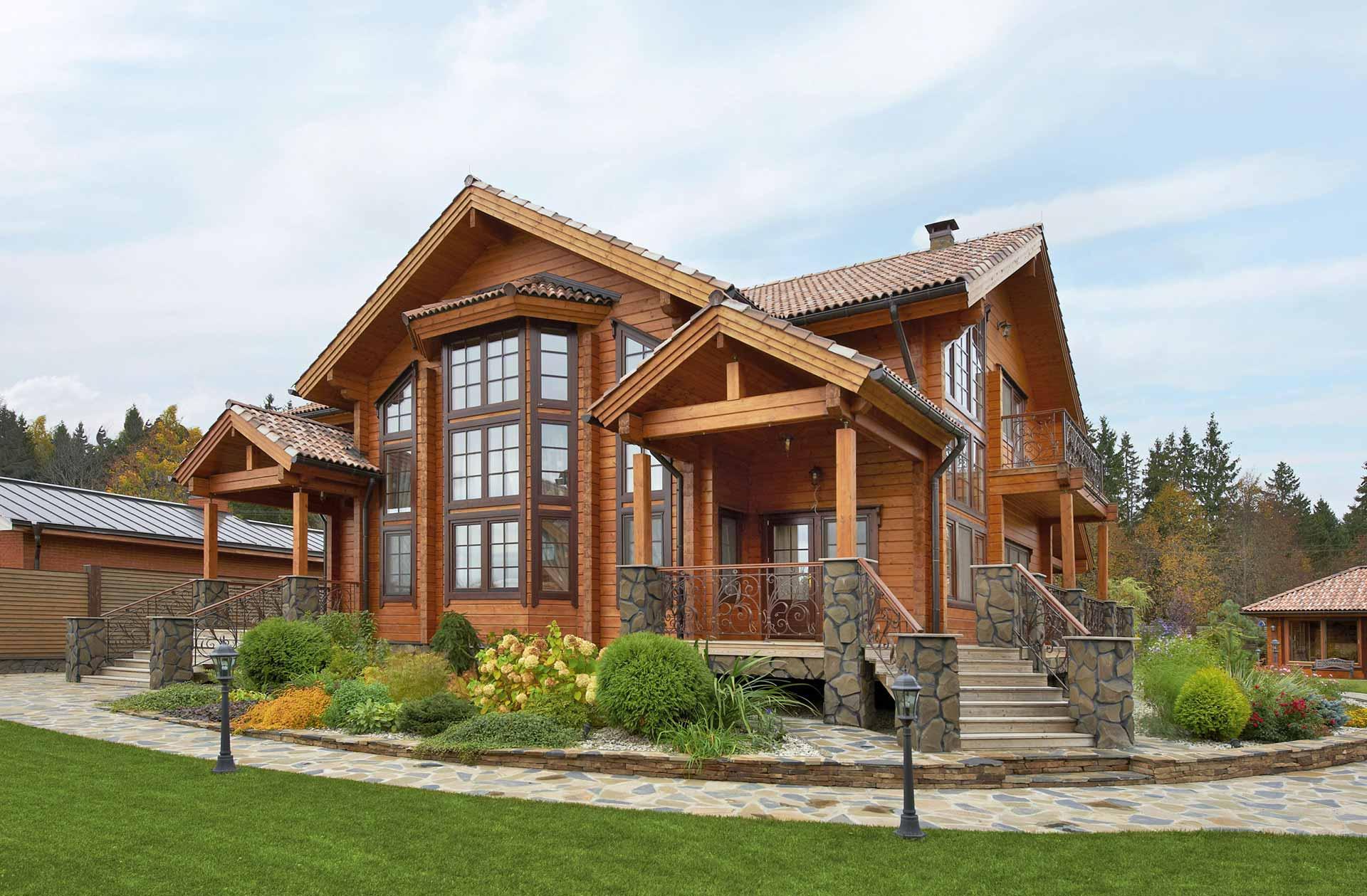 Роскошный деревянный особняк из бруса