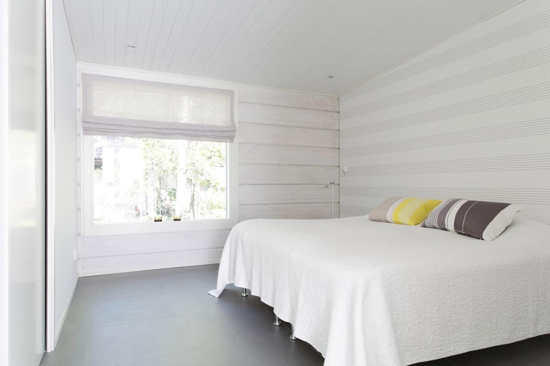 Полностью белая спальня