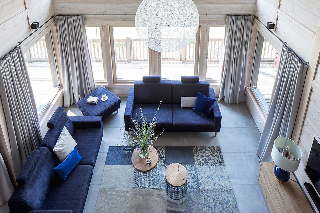 интерьер гостиной деревянного дома из бруса