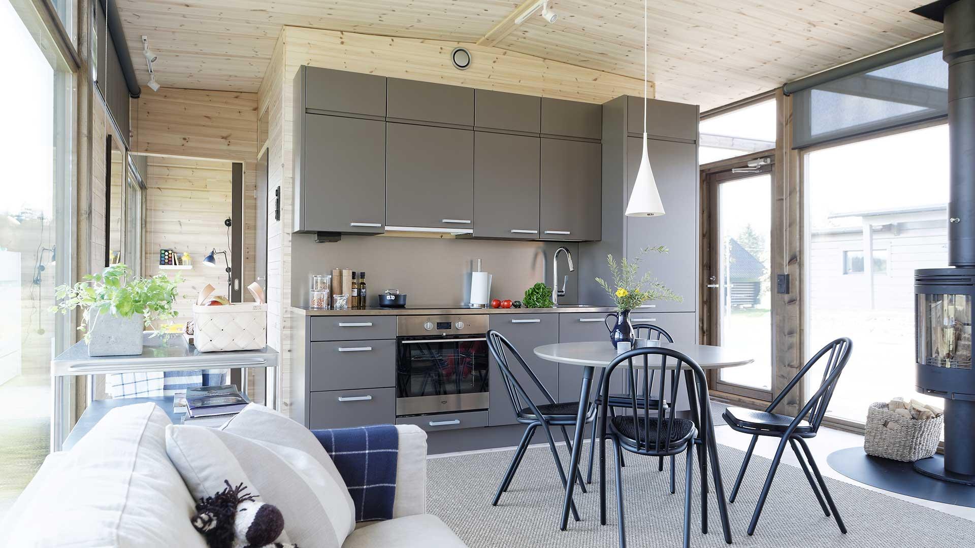 Интерьер с совмещенной кухней