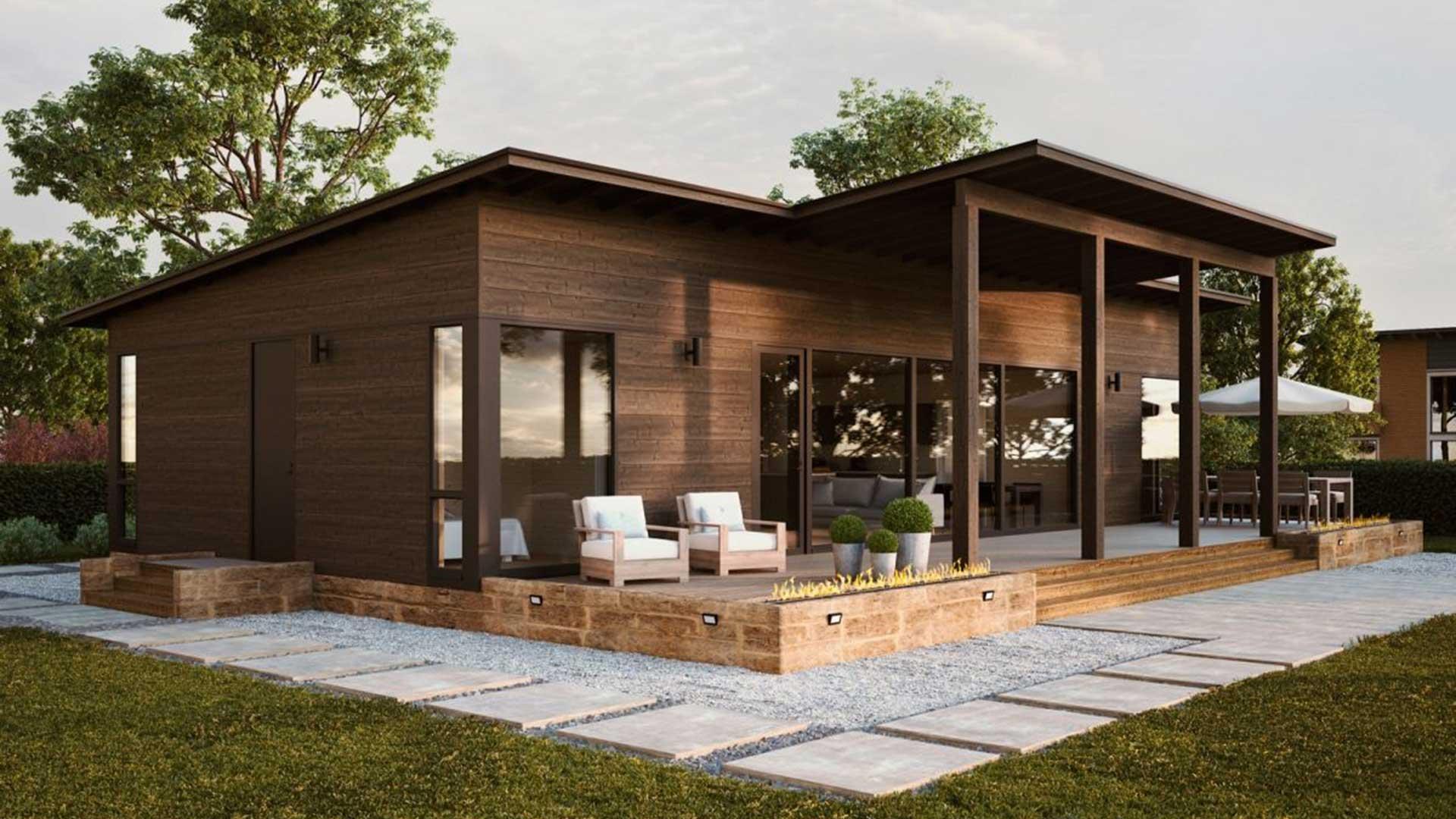 Большой современный деревянный дом