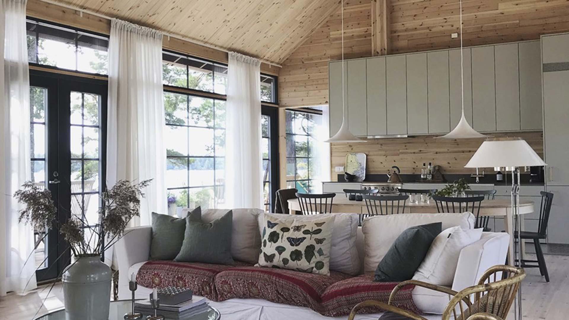 Практичный загородный дом