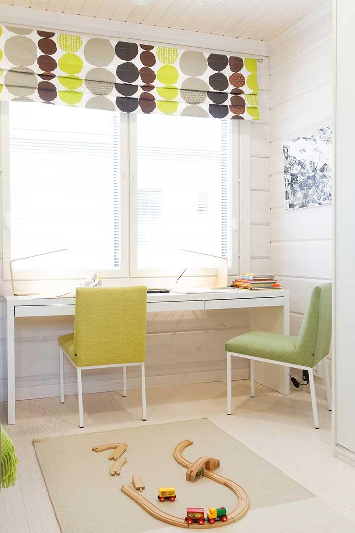 Стильная светлая детская комната